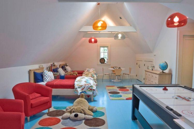 Loteng bisa dimanfaatkan untuk ruang tidur anak sekaligus ruang bermain.