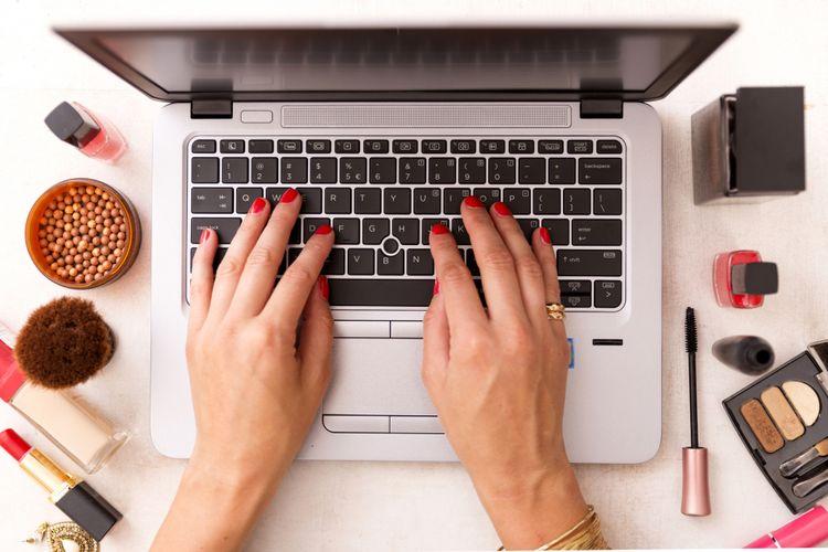 Ilustrasi belanja kosmetik online