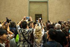Ketika Kecanduan Foto Dianggap Merusak Karya Seni