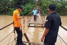 Tiga Orang Tewas Tenggelam akibat Jembatan di Tanggamus Putus