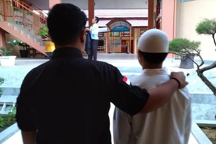 Ms (17) seorang anak di bawah umur tersandung kasus kepemilikan narkoba jenis sabu-sabu seberat 26 Kilogram di Kabupaten Karimun, Provinsi Kepulauan Riau (Kepri).