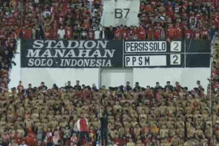 Persis Solo di Stadion Manahan. Gambar diambil pada 2014.