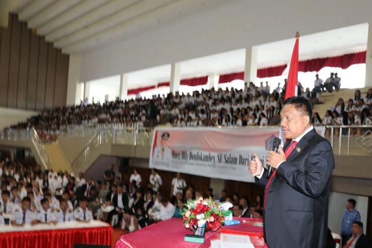 Gubernur Sulawesi Utara, Olly Dondokambey, menyampaikan materi Empat Pilar Kebangsaan dalam kegiatan Gubernur Mengajar di Kabupaten Minahasa, Rabu (2/5/2018).