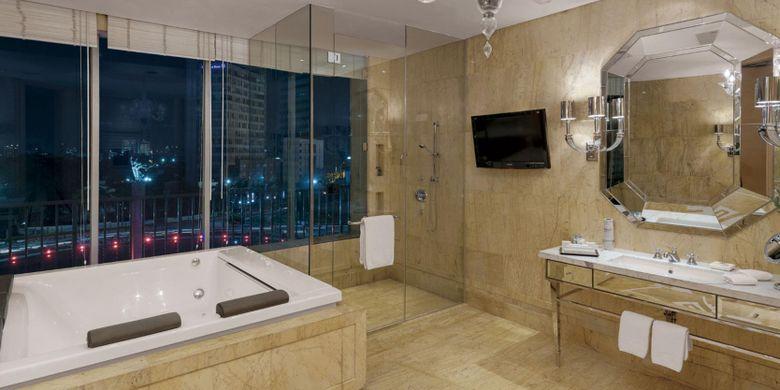 Kamar mandi di Hotel Indonesia Kempinski, Jakarta.