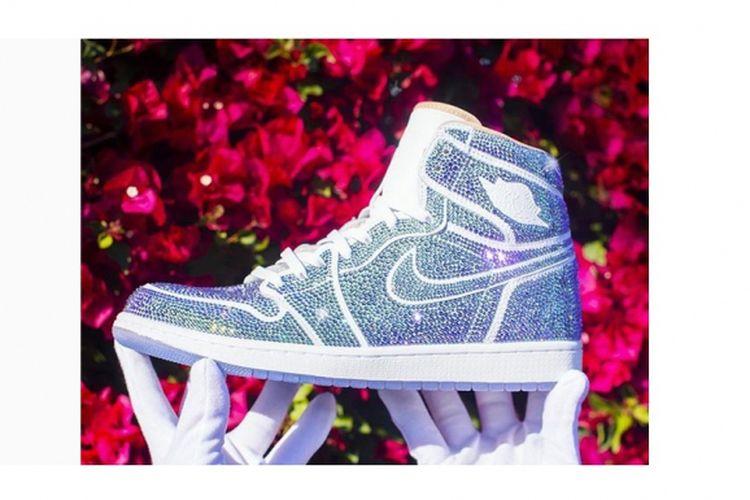 153c267954e692 Air Jordan 1 Berbalut 15.000 Butiran Kristal