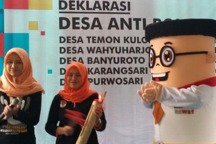 Badan Pengawas Pemilu  mendeklarasi 5 Desa Anti Politik Uang yang berlangsung di Desa Temon Kulon, Kecamatan Temon, Kabupaten Kulon Progo, Daerah Istimewa Yogyakarta. Dengan demikian sudah ada 36 desa se-DIY yang mengusung semangat serupa.