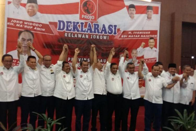 Kepala daerah di Riau melakukan deklarasi dukungan untuk capres Jokowi di Hotel Aryaduta, Pekanbaru, Riau, Rabu (10/10/2018).
