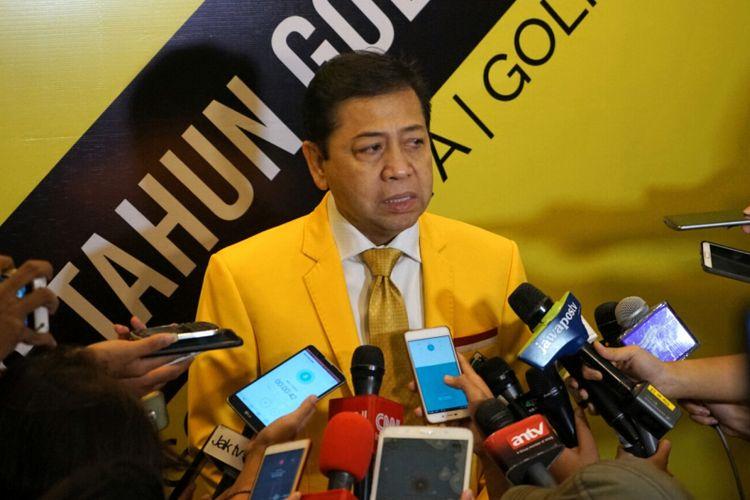 Ketua Umum Partai Golkar Setya Novanto saat ditemui sela-sela seminar nasional Fraksi Partai Golkar MPR RI, di Hotel Kartika Chandra, Jakarta Selatan, Kamis (19/10/2017).