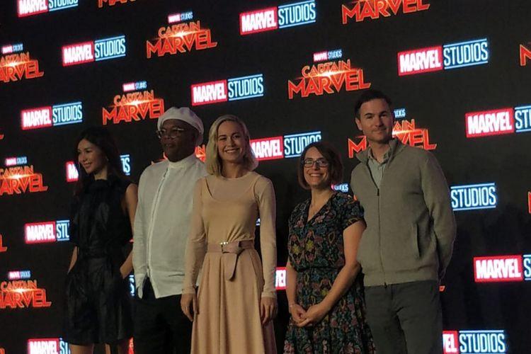 (kiri ke kanan) Gemma Chan (Minn-Erva), Samuel L. Jackson (Nick Fury), Brie Larson (Captain Marvel),Anna Boden (Director) dan Ryan Fleck (Director) dalam Press Converence Film Captain Marvel yang digelar di Marina Bay Sands, Singapura, (14/2/2019).