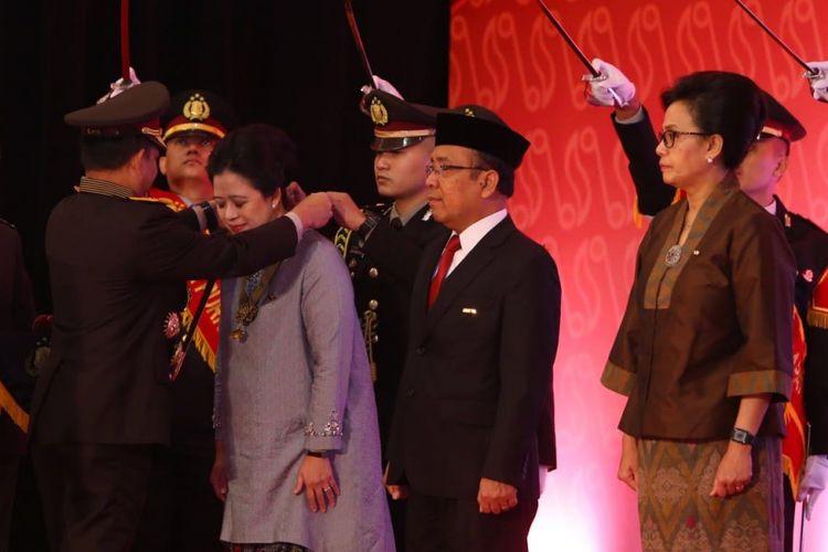 Menko Puan Dianugerahi Bintang Bhayangkara Utama