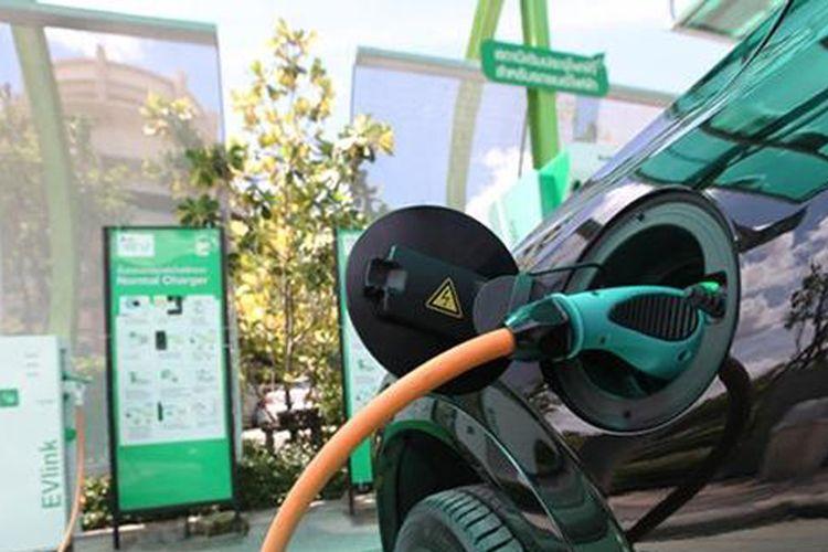 Ilustrasi mobil listrik Thailand.