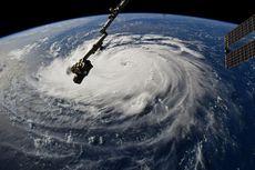 Beginilah Rupa Badai Florence bila Dilihat dari Luar Angkasa