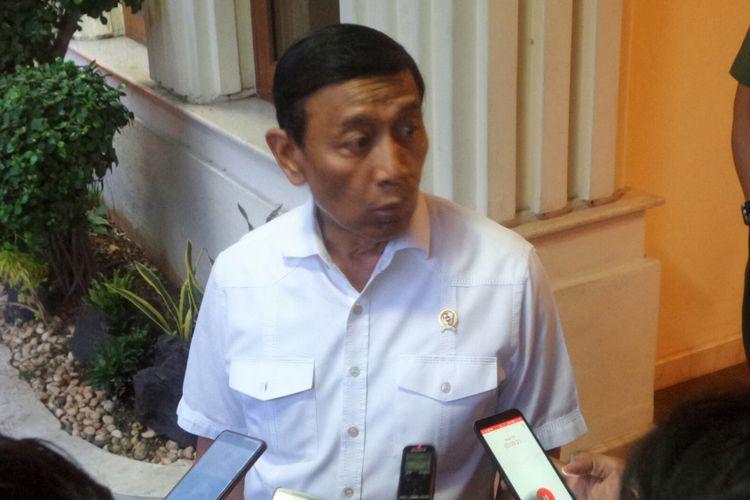 Menteri Koordinator Bidang Politik, Hukum dan Keamanan Wiranto saat ditemui di Kemenko Polhukam, Jakarta Pusat, Senin (11/9/2017).