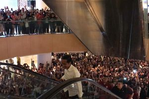 Jalan-jalan ke Grand Indonesia, Jokowi Diteriaki 'Presiden, Presiden'