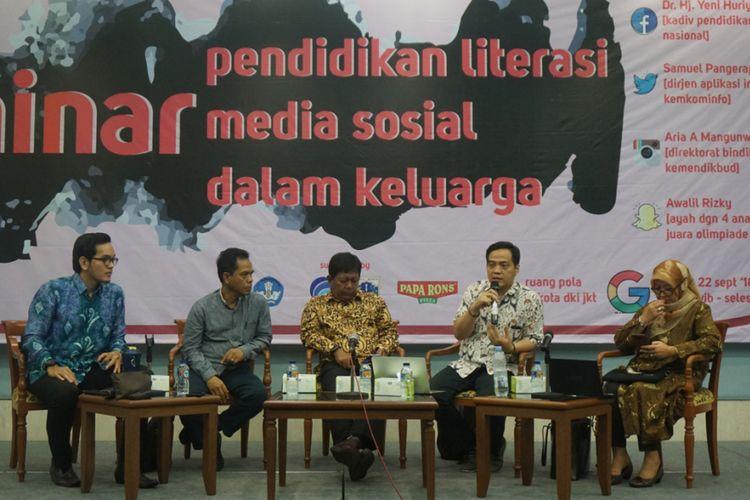 Seminar Pendidikan Literasi Media Sosial dalam Keluarga di Ruang Pola Balaikota DKI Jakarta (22/9/2018).
