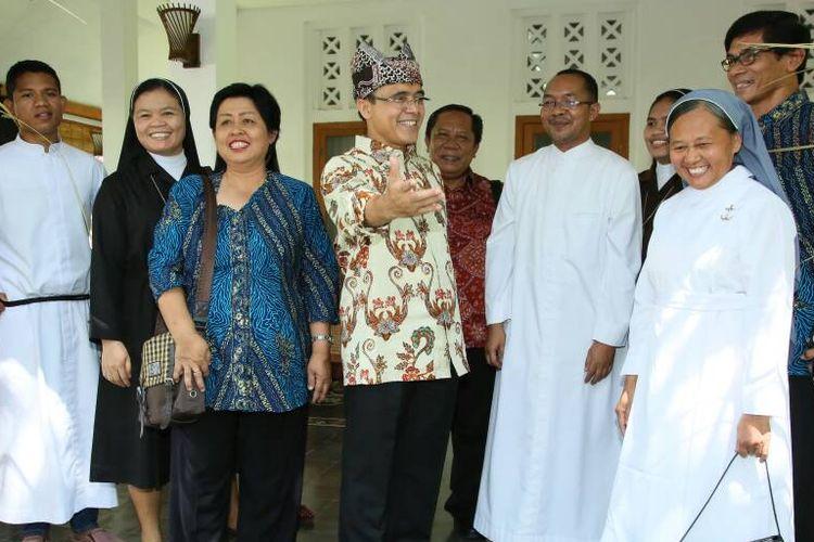 Pemuka Lintas Agama Bersilaturahim dengan Bupati Anas