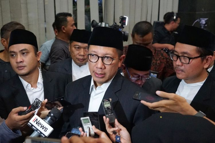 Menteri Agama Lukman Hakim Saifuddin seusai jumpa pers Sidang Isbat penentuan 1 Syawal 1439 H, Kementerian Agama, Jakarta, Kamis (14/6/2018).