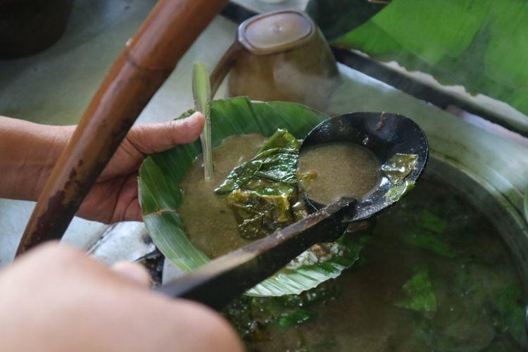 Nasi pindang di Kedai Nasi Pindang Kudus dan Soto Sapi di Jalan Gajahmada Semarang yang sudah ada sejak 1987, Kamis, (19/7/2018).