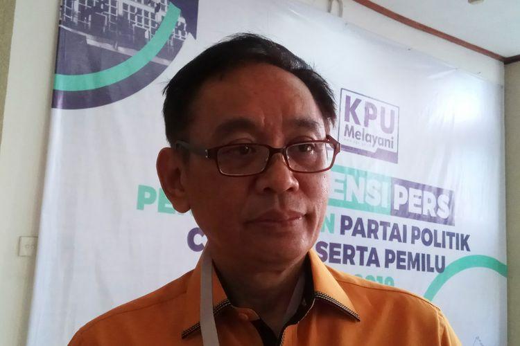 Ketua DPP Partai Hanura Sutrisno Iwantono berharap Sistem Informasi Informasi Partai Politik (Sipol) Komisi Pemilihan Umum (KPU) RI tidak menjadi halangan partainya ikut Pemilu 2019 mendatang. Jakarta, Kamis (12/10/2017).
