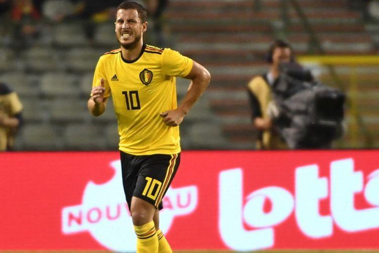 Eden Hazard tampak menahan rasa nyeri saat melakoni pertandingan uji coba Belgia vs Kosta Rika di Brussel, 11 Juni 2018.