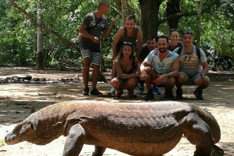 Pebalap MotoGP asal Italia, Valentino Rossi mengunggah foto liburannya di Taman Nasional Komodo, NTT.