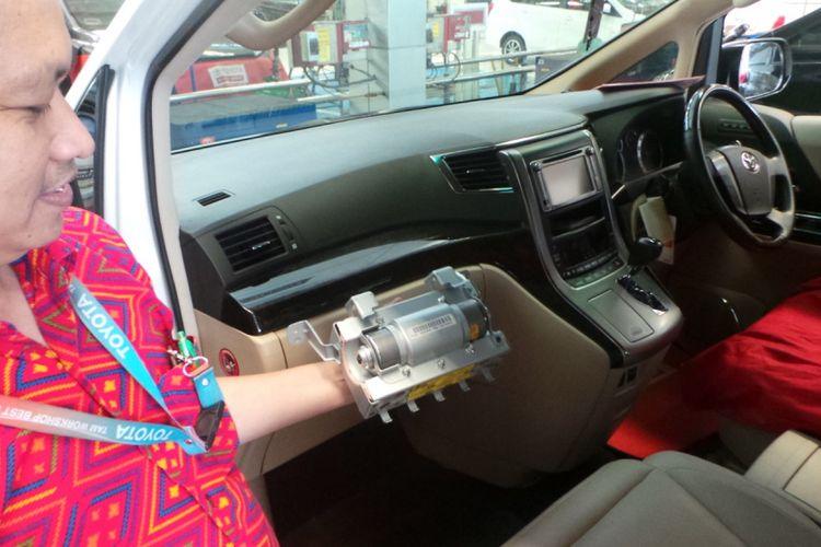 Bagian airbag mobil Toyota Astra Motor yang diganti dalam kampanye perbaikan dunia untuk produk Takata.