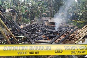 Warga Tolak Pemakaman Korban Kebakaran di Sukabumi
