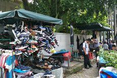 Perlakuan Spesial untuk PKL di Trotoar Jalan Melawai