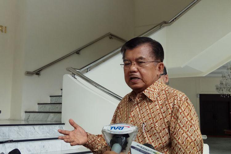 Wakil Presiden RI, Jusuf Kalla mengatakan bahwa kegagalan kontingen Indonesia dalam mencapai target di SEA Games 2017 salah satunya disebabkan berbelitnya birokrasi sistem manajemen atlet. Jakarta, Selasa (5/9/2017).