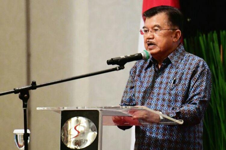 Wakil Presiden Jusuf Kalla di acara pelantikan pengurus Majelis Nasional Korps Alumni Himpunan Mahasiswa Islam (KAHMI) di Puri Agung Hotel Grand Sahid Jaya, Minggu (11/3/2018)