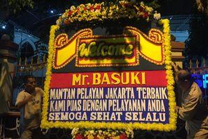 Karangan Bunga untuk BTP Berdatangan di Mako Brimob Depok