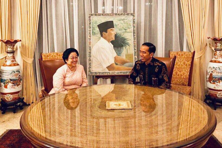 Presiden Joko Widodo bertemu Ketua Umum PDI-P di Istana Batu Tulis, Bogor, Selasa (12/6/2018)