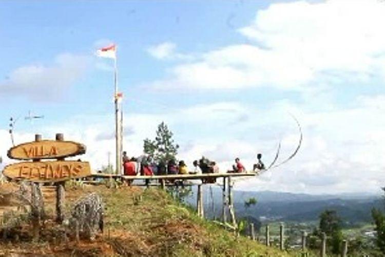 Obyek wisata Perahu Selfie Villa Adelways jadi primadona wisata baru di Mamasa, Sulawesi Barat.