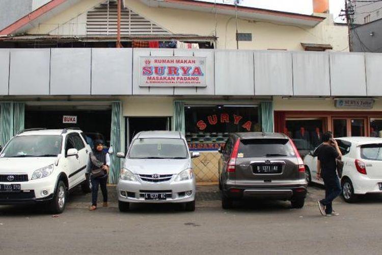 Rumah Makan Padang Surya, yang dirintis sejak 1946 di Bendungan Hilir, Jakarta.
