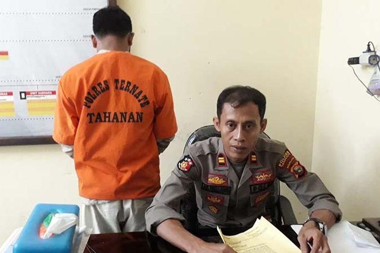 Iptu Ambo Wellang , Kapolsek Ternate Utara, Kota Ternate, Maluku Utara rilis penangkapan tersangka kasus sabu, Rabu (15/05/2019)