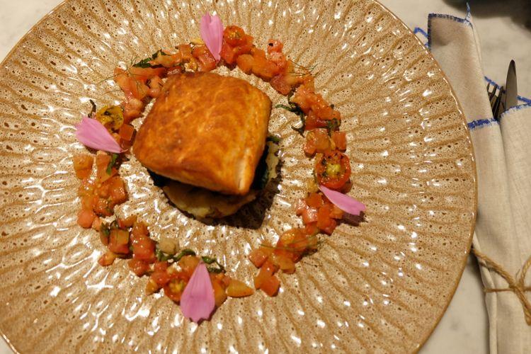 Salmon with mushroom di Blue Terrace.