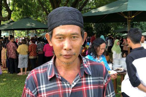 Jalan Kaki dari Sukabumi, Ujang Bersalaman dan Berfoto dengan Jokowi