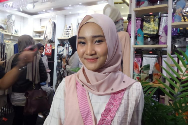 Fatin Shidqia berpose dalam acara Muslim Fashion Festival di JCC, Jakarta Pusat, Minggu (22/4/2018).