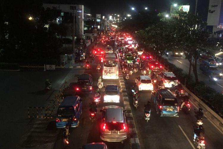 Margonda Raya Depok macet, Jumat (3/8/2018).