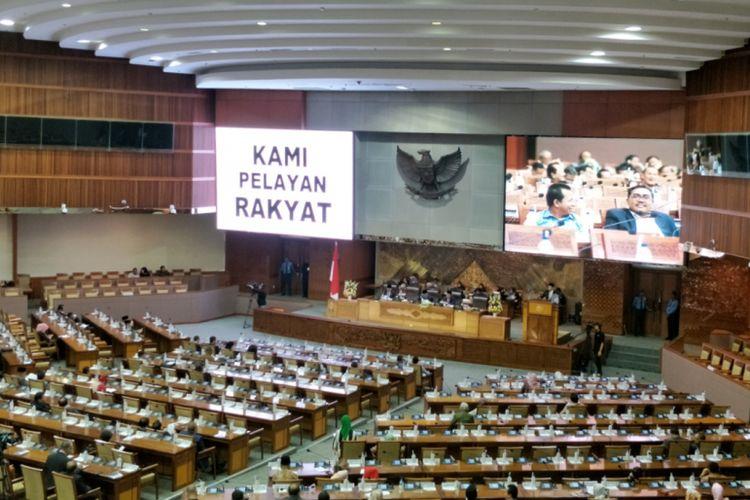 Rapat Paripurna ke 19 pembukaan masa persidangan IV tahun sidang 2017-2018 diwarnai interupsi dari sejumlah anggota DPR terkait Undang Undang MPR, DPR, DPD, DPRD (UU MD3).