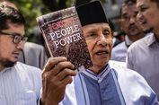 Amien Rais Bawa Buku Jokowi People Power Sebagai Referensi