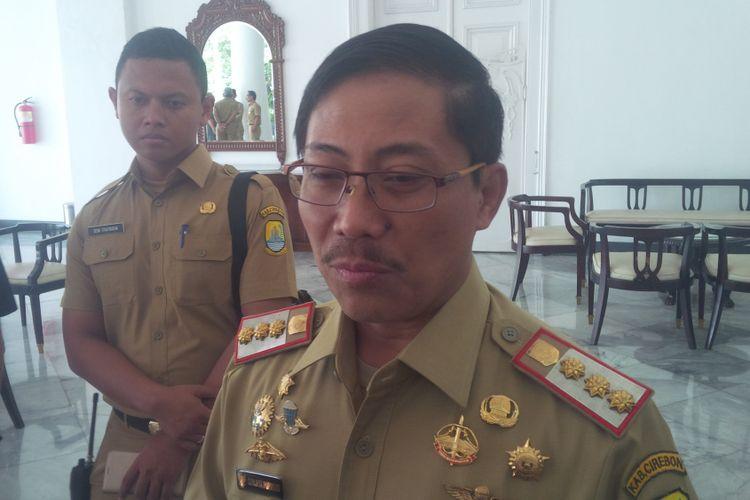 Bupati Cirebon  Sunjaya Purwadisastra