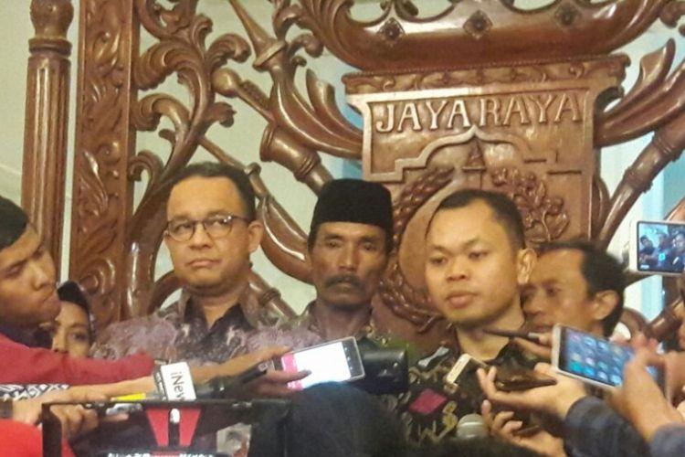 Gubernur DKI Jakarta, Anies Baswedan hari ini bertemu dengan Koalisi Selamatkan Teluk Jakarta untuk mendengarkan masukan para anggota koalisi terkait kelanjutan proyek reklamasi di Teluk Jakarta, Kamis (7/12/2017).