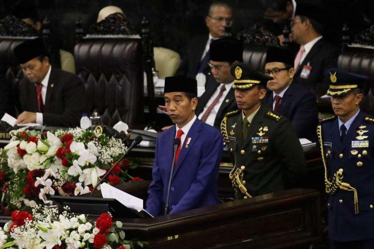 Presiden Joko Widodo memberikan pidato kenegaraan pada sidang tahunan Majelis Permusyawaratan Rakyat Republik Indonesia Tahun 2018 di Kompleks Parlemen, Senayan, Jakarta, Kamis (16/8/2017). Presiden Joko Widodo menyampaikan pidato, yakni pidato kenegaraan dalam rangka Hari Ulang Tahun RI ke 73.