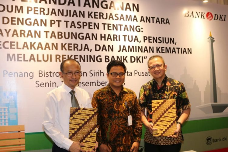 Penandatanganan kerja sama antara Bank DKI dan PT Taspen (Persero) di Jakarta, Senin (17/12/2018).