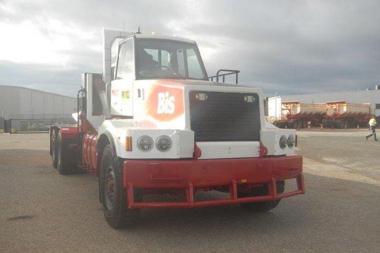 Kendaraan berat truk trailer 160 ton per unit dari Bis Industries untuk kerja sama dengan PT Gunung Bara Utama (GBU).