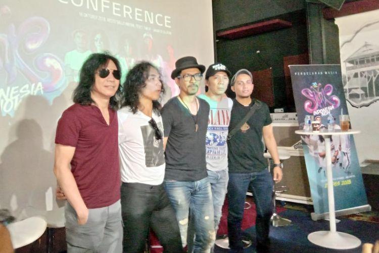 Slank menggelar jumpa pers untuk konser HUT ke-35 yang bertajuk Indonesia Now di Sallo Innyan di kawasan Tebet Timur,  Jakarta Selatan,  Selasa, (16/10/2018).