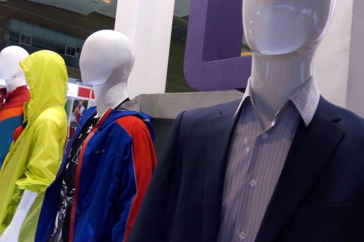 Produk tekstil pada manekin dalam pameran Indo Intertex di JIExpo, Kemayoran Jakarta, pada 4-7 April 2018.