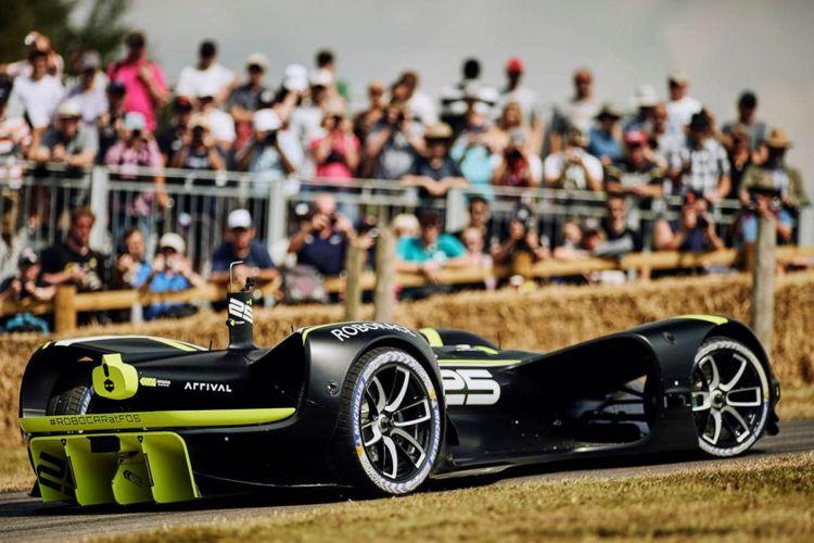 Mobil balap tanpa pengendara dengan sistem autonomous Roborace berhasil debut di Goodwood festival