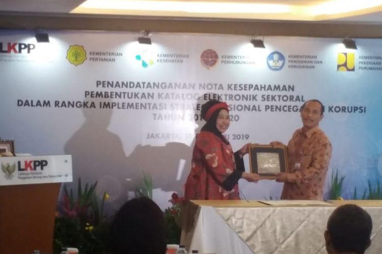 Kerja sama Kementerian PUPR dan LKPP dalam pembentukan e-katalog pengadaan barang dan jasa di kantor LKPP, Jakarta, Jumat (15/2/2019).